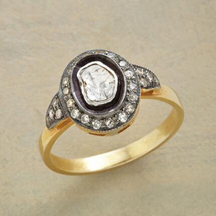LA MODE DIAMOND RING
