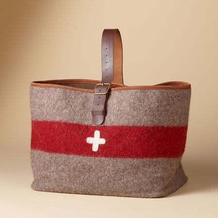 SWISS ARMY CARRYALL