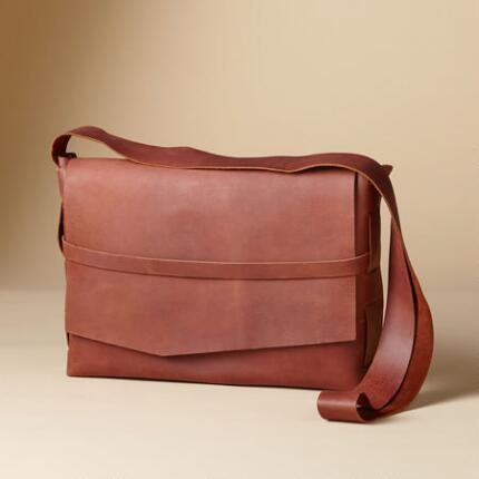 GREAT EXPECTATIONS SATCHEL