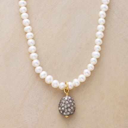 PEARLS & SPARKLE NECKLACE