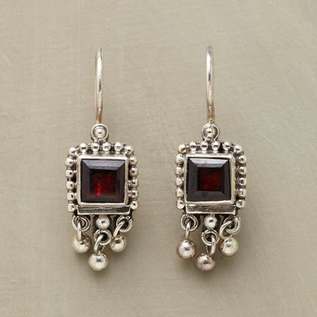 FRAMED GARNET EARRINGS