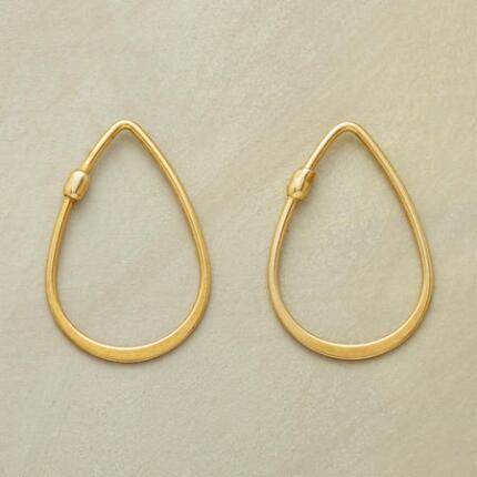18KT GOLDPLATE TEARDROP HOOPS