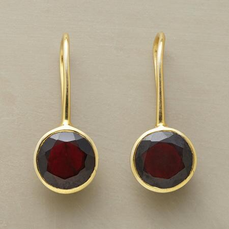 GARNET DROPDOWN EARRINGS