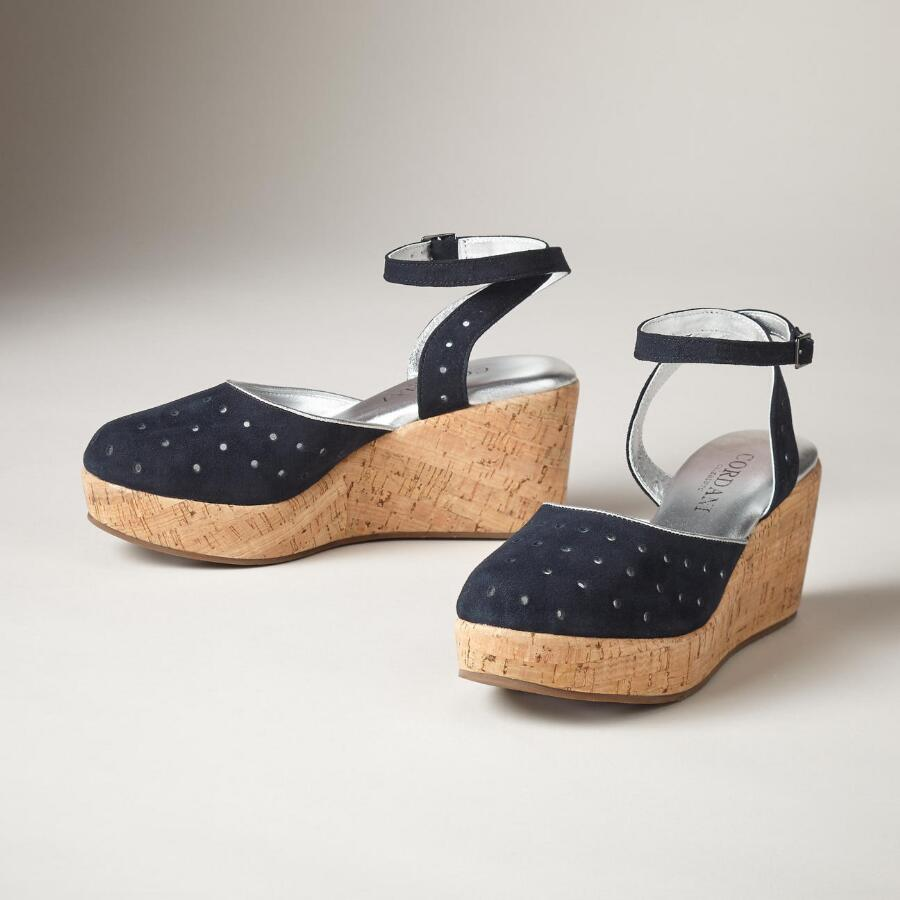 AQUARIUS SHOES