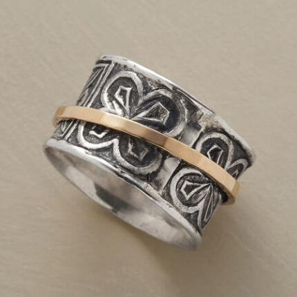 TRACE OF GOLD SPINNER RING