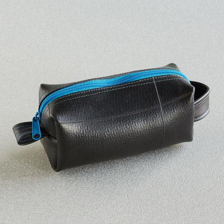 UPCYCLED DOPP KIT