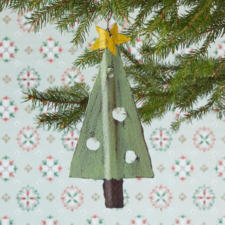 BARNYARD CHRISTMAS TREE ORNAMENT