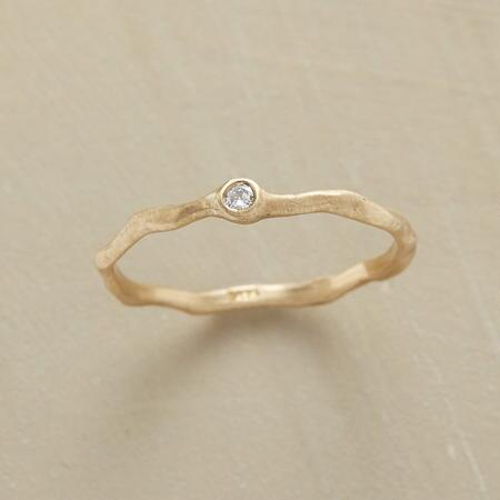 MEANDERING DIAMOND RING