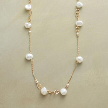 RING AROUND PEARLS NECKLACE
