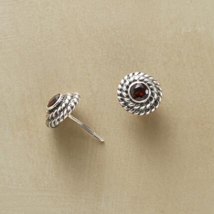 WREATHED GARNET EARRINGS