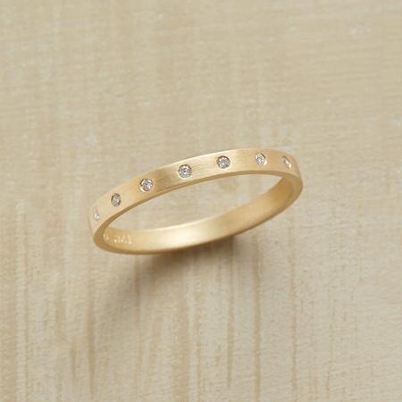 ELEGANTE DIAMOND RING