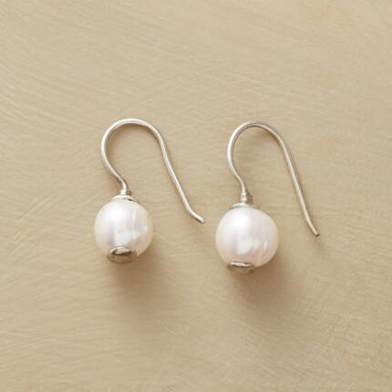 SIMPLY PEARL EARRINGS