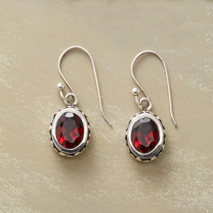 GARNET CACHEPOT EARRINGS