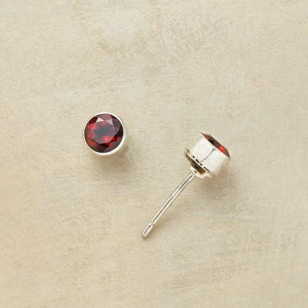 GARNET SPARK EARRINGS