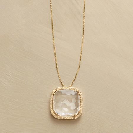 CLAIRE DE QUARTZ NECKLACE