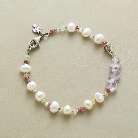 PURPLE AND PEARL BRACELET