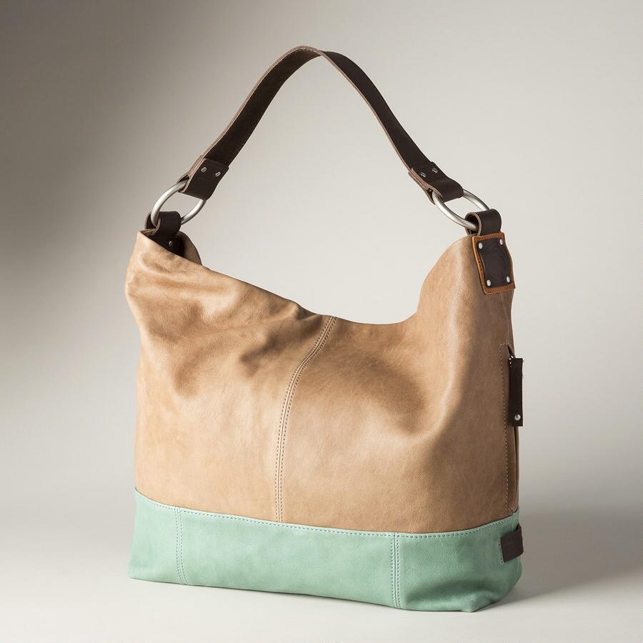 SOPHISTICATED HOBO BAG