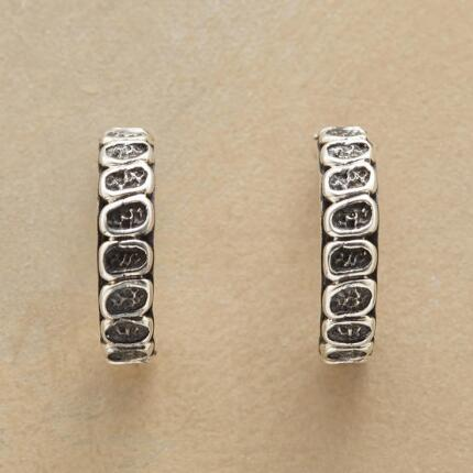 SILVER COBBLED HOOPS