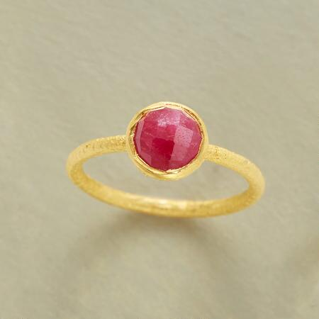 LOVABLE RUBY RING