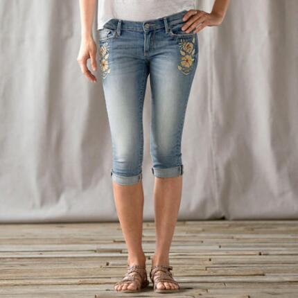 DRIFTWOOD FLOWER-EMBROIDERED VINTAGE CROPS