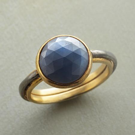 DOME OF SAPPHIRE RING