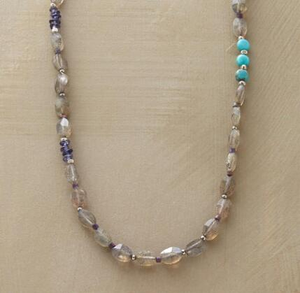 LINEAR LABRADORITE NECKLACE