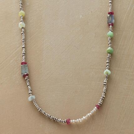 HIGHLIGHTS NECKLACE