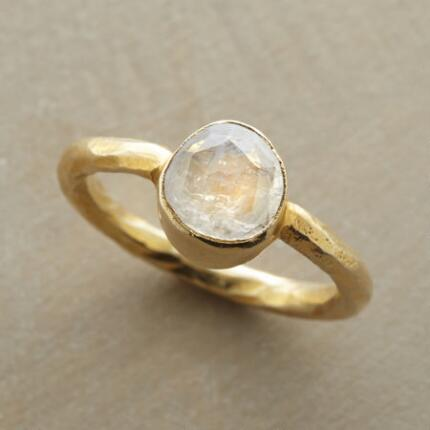GOLDEN MOONSCAPES RING