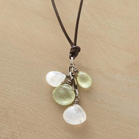 PALE PETAL NECKLACE