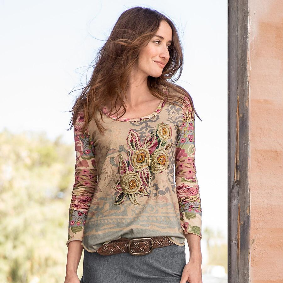 VINTAGE CHARM EMBROIDERED TOP