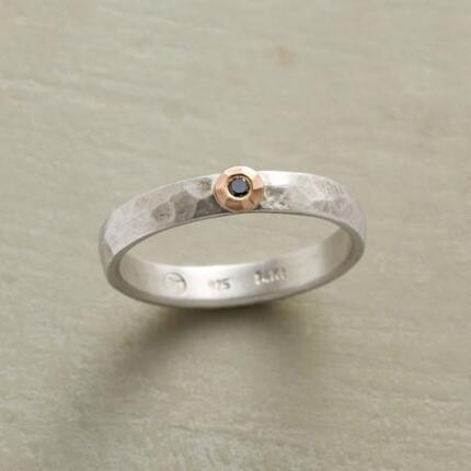 SOLOIST BLACK DIAMOND RING