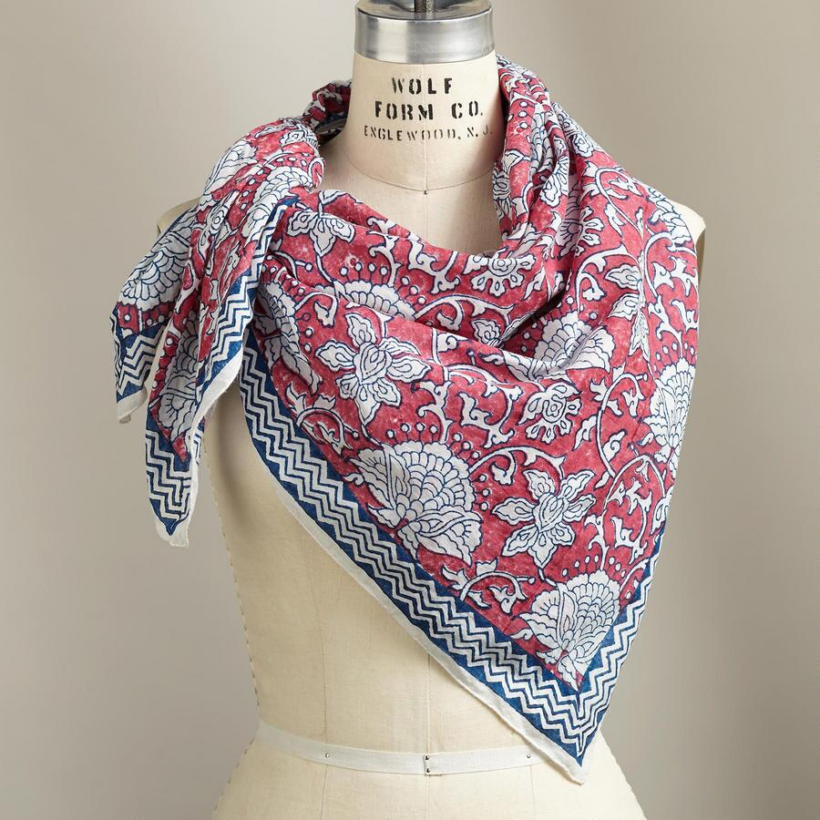 WILD LEAVES SCARF