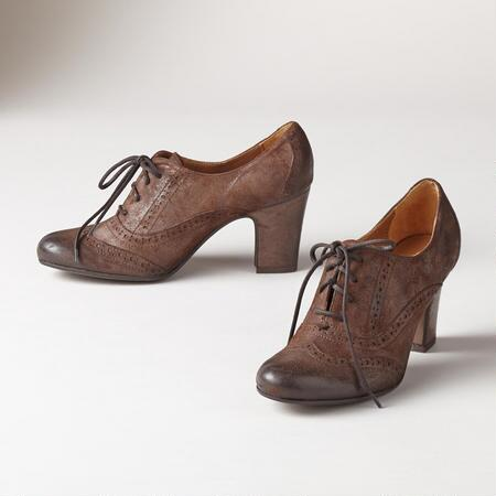 OAKLEY HEELED OXFORDS