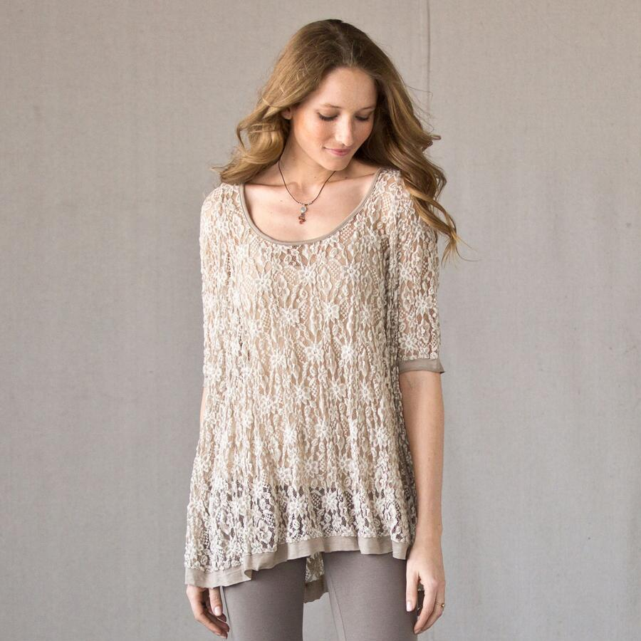 LIVE-IN LACE TOP