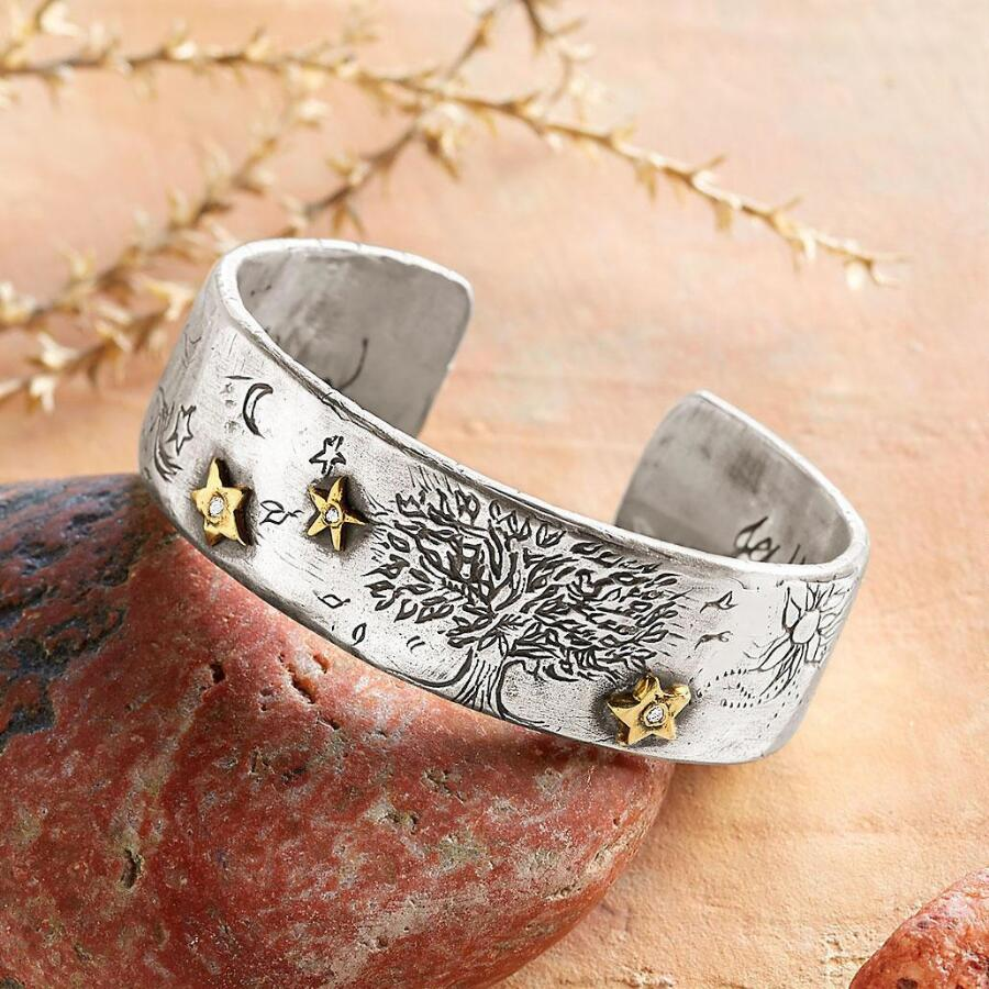 STARRY NIGHT DIAMOND CUFF