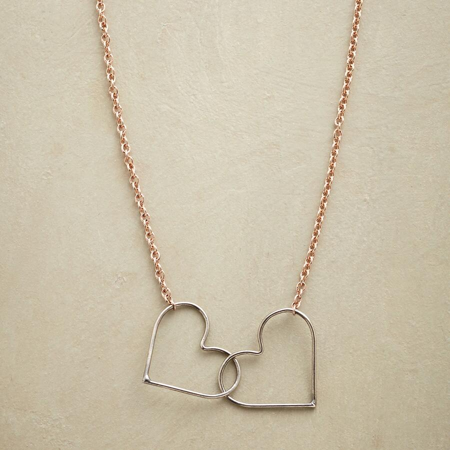 HEART CONNECTION NECKLACE