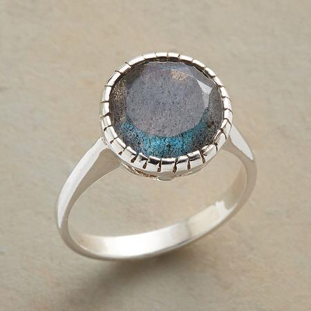 SHIMMERING CHALICE RING