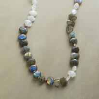 EQUIPOISE NECKLACE