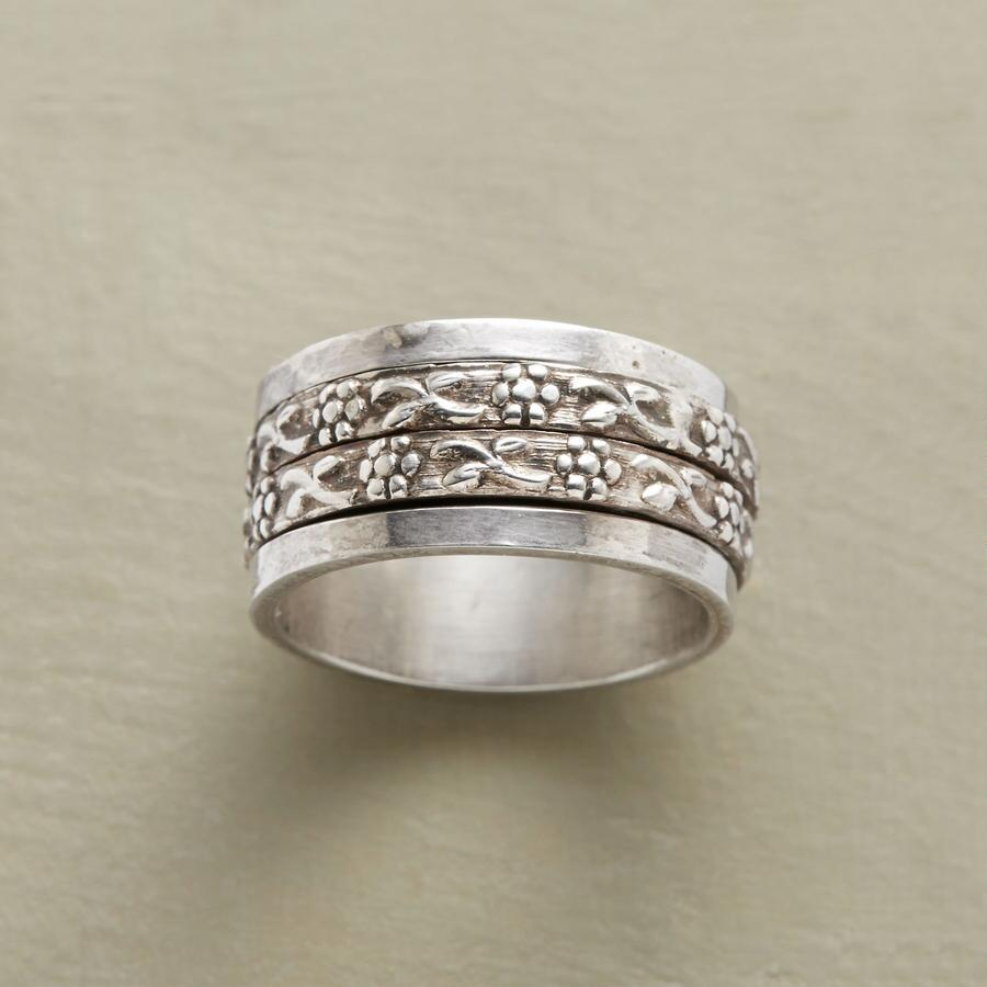 DOUBLE GARLAND SPINNER RING