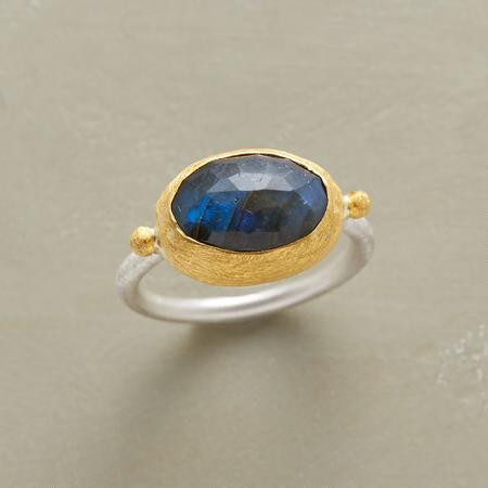 TWO-TONED LABRADORITE RING