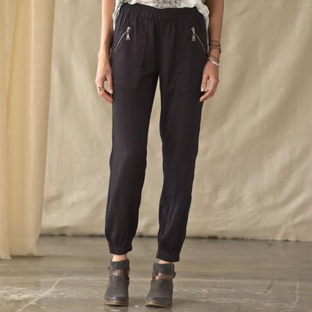 ROAD-READY SLOUCH PANTS