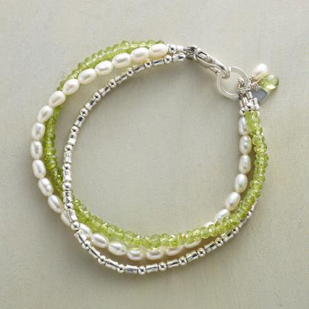 PERIDOT AND PEARL BRACELET
