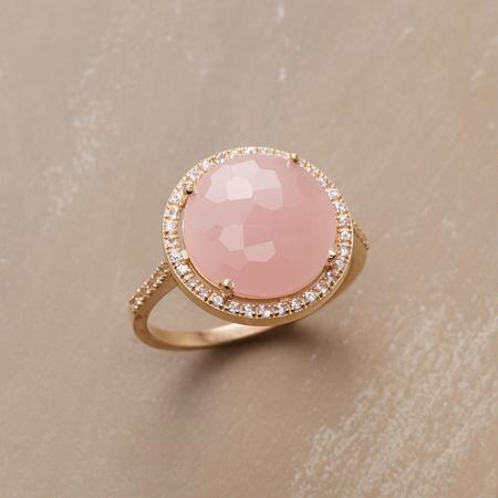 SHIMMERING ROSE QUARTZ RING