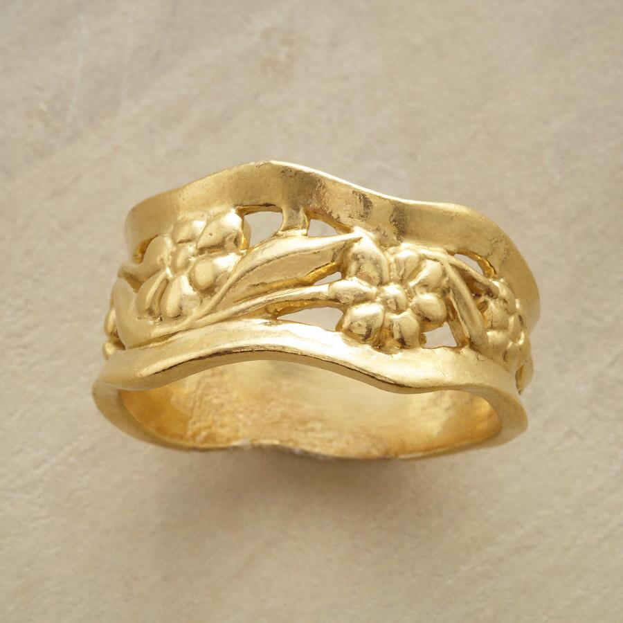 GOLDEN BLOOMS RING