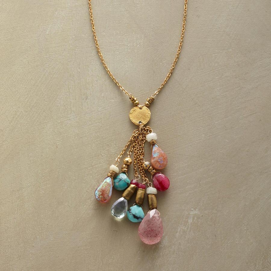 PRECIOUS PLUME NECKLACE