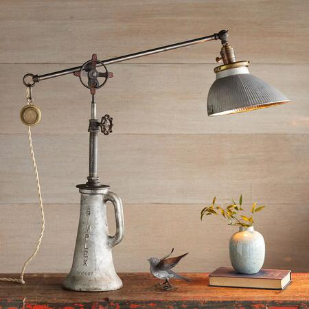 DEER CREEK TABLE LAMP