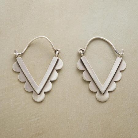 SCALLOPED CHEVRON HOOPS