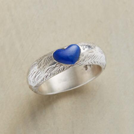 WOODLAND HEART RING
