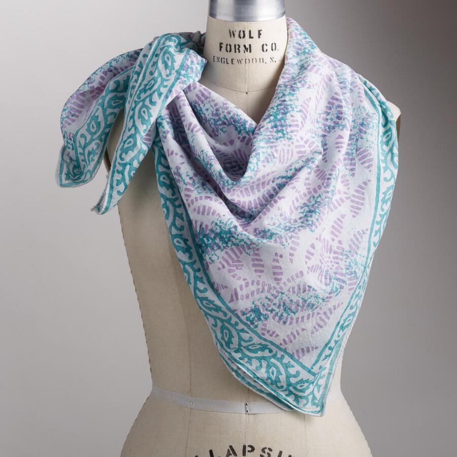 GATHERED PETALS SCARF