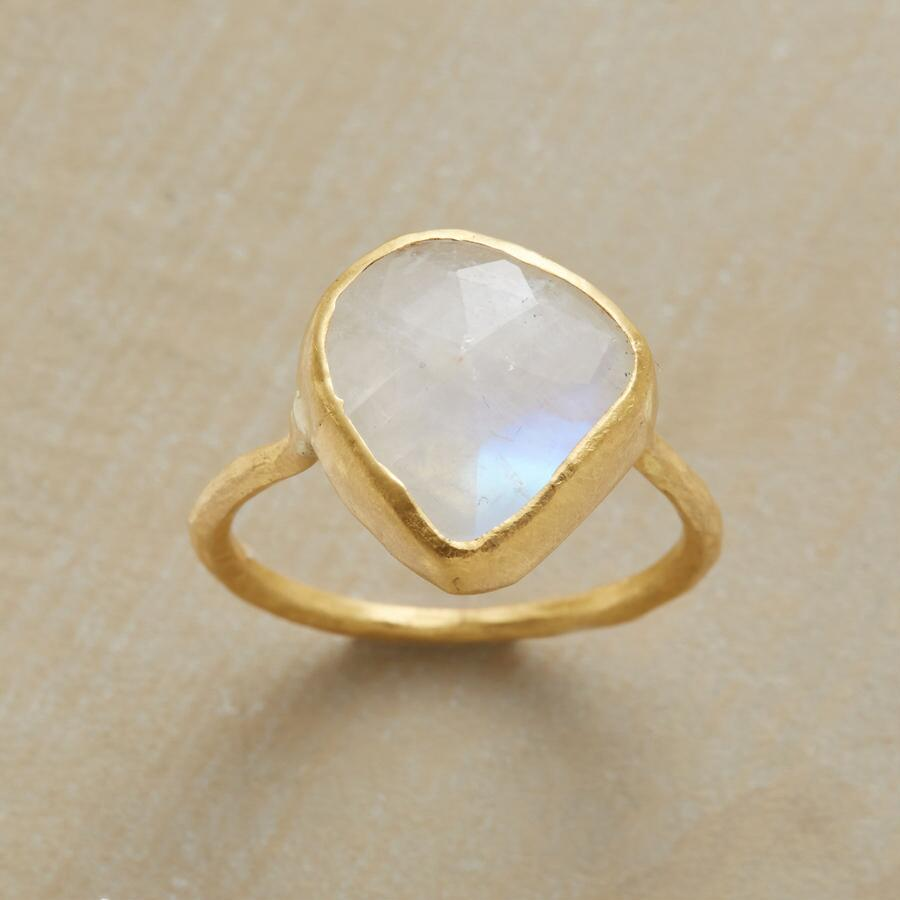 SPELLBINDING MOONSTONE RING